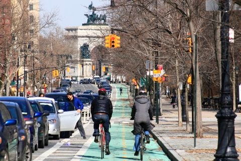 Sustainability Committee Class Iv Bikeways A New Way To